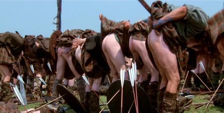 L'armée de William Wallace soulevant leurs kilts pour montrer leurs postérieurs aux Anglais.