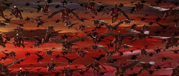 Une armée d'hommes oiseaux mal incrustés.