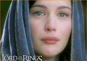 Liv Tyler dans le rôle d'Arwen (Le Seigneur des Anneaux), qui pleure.