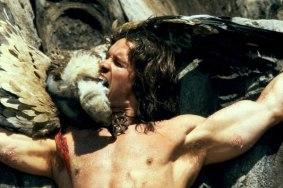 Conan dévorant un vautour cru.