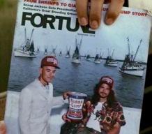Forrest Gump et Dan, les fondateurs de Bubba-Gump sur la couverture du magazine économique Fortune.