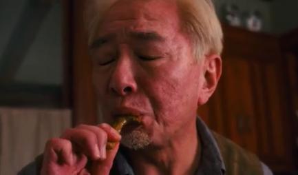 Et là vous n'avez qu'une image, mais dans le film, il pousse des petits gémissements chelous et tout #FoodPorn