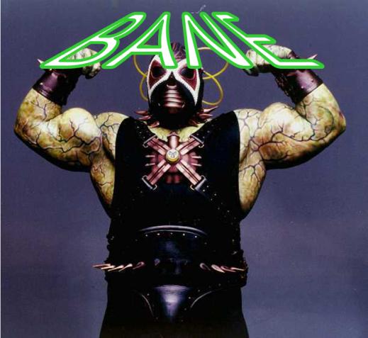 Bane bandant ses muscles en mousse dans Batman et Robin