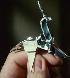 Deckard trouvant un origami licorne.