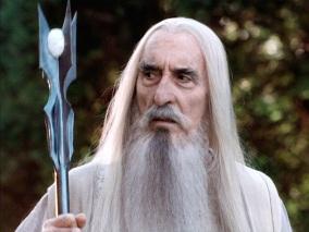 Saruman, un mage corrompu apparaissant dans le Seigneur des Anneaux