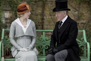 """""""Laissez-moi user de mes fantastiques capacités de déduction... L'histoire qui parle de vous, madame, s'appelle """"l'aventure du gant gris colombe"""" parce que vous êtes habillée en gris, c'est ça ?"""""""