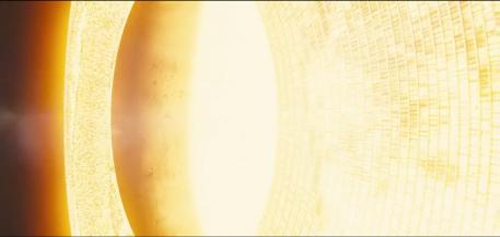 Le bouclier de panneaux solaires réfléchissant les rayons du soleil.