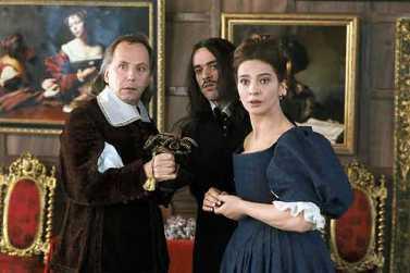 Monsieur et Madame Jourdain, surpris de ne pas voir que Molière est dans leur dos.