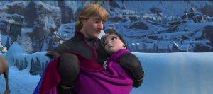 Anna dans les bras de Kristoff, La Reine des Neiges