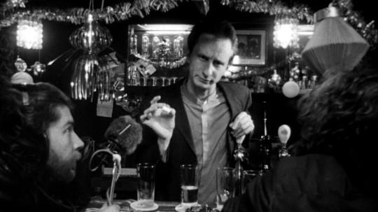 Benoit Poelvoorde jouant un tueur en série ivre