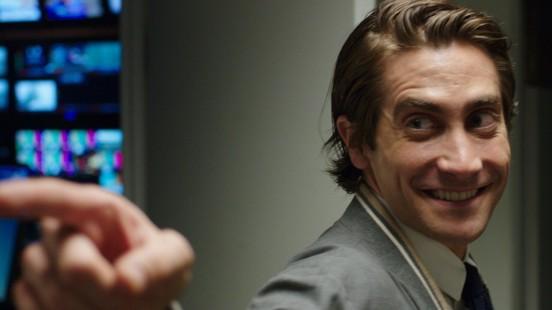 Jake Gyllenhaal Dans Night Call paraissant heureux