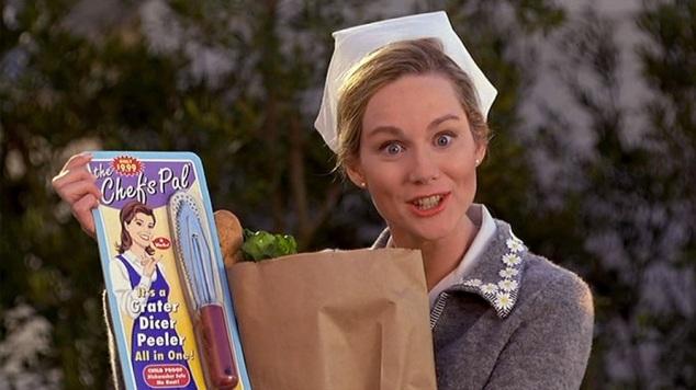 Meryle venant d'acheter un épluche-légume.