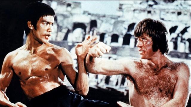 Bruce Lee et Chuck Norris en venant aux mains dans Way of the Dragon (1972)