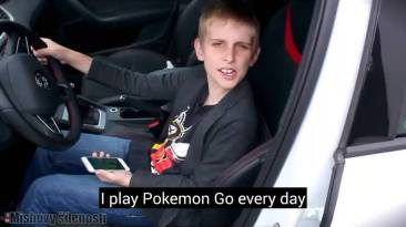 "Image de Misha chanteant ""I play Pokemon Go everyday"" (source : video youtube)"