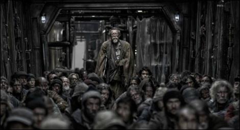La population pauvre et affamée de l'arrière du train.
