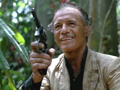 Francisco Rabal jouant un énigmatique tueur à gage mexicain.