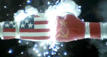 Les gants au couleurs des USA et de l'URSS du début de Rocky IV