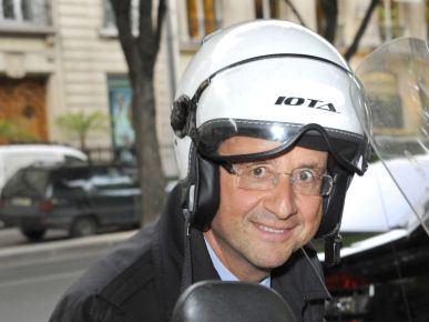 François Hollande à scooter