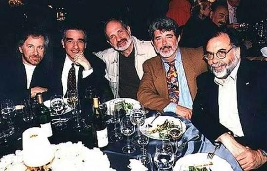 Steven Spielberg, Martin Scorsese, Brian De Palma, George Lucas et Francis Ford Coppola attablé tous ensemble lors d'un événement