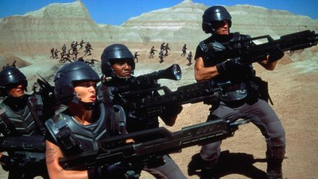 Des fantassins dans Starship Troopers de Paul Verhoeven